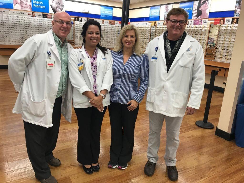 Walmart Optometrist Serving Palm Beach Gardens and Lake Park, FL